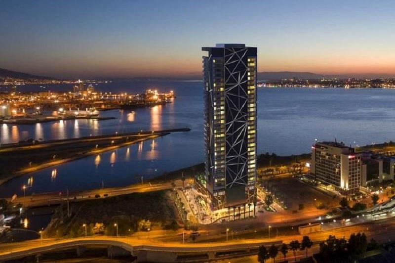 İzka Port İzmir'de yükseliyor
